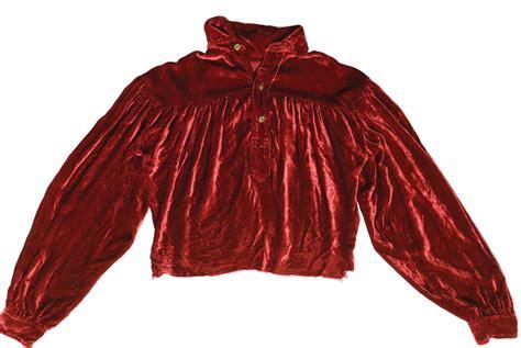 elvis tupelo concert shirt sold  auction