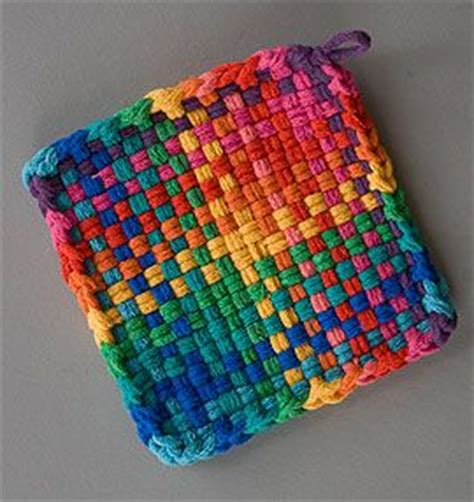 potholder loom pattern 99 best weaving loops images on pinterest hot pads pot