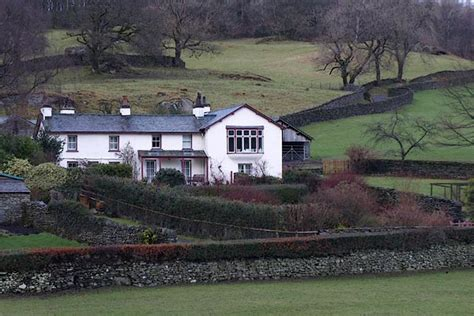 cumbria gazetteer castle cottage near sawrey