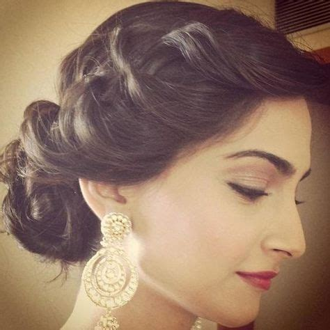 Hindu Wedding Hairstyles For Hair by The 25 Best Indian Wedding Hairstyles Ideas On