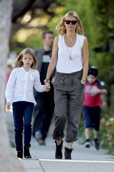 chris martin and gwyneth paltrow kids gwyneth paltrow and chris martin out with their kids zimbio