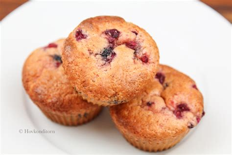 protein muffins hovkonditorn berry white chocolate protein muffins