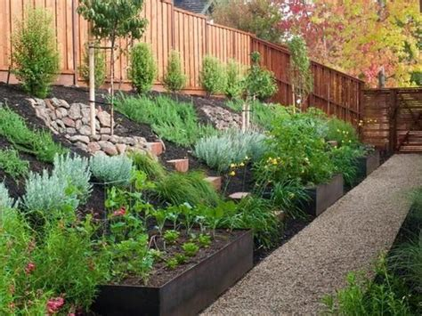 Sloping Backyard Ideas by 17 Best Ideas About Sloped Backyard On Sloped