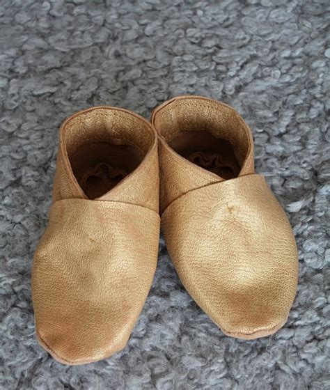 leather shoes diy cozy nest diy leather baby shoes