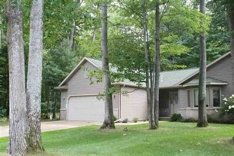 4 great homes for sale on northern michigan golf courses