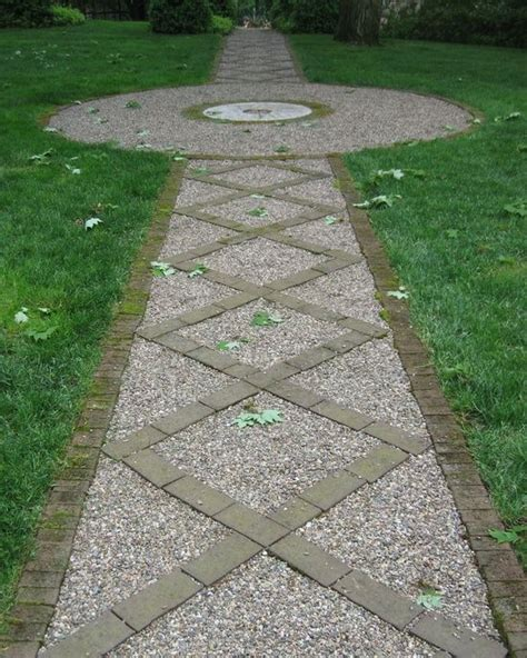 Grey Gravel Driveway Using Brick And Gravel For Driveway Stepping Stones And