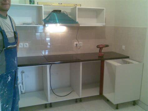 montage meuble de cuisine montage cuisine pendant les travaux