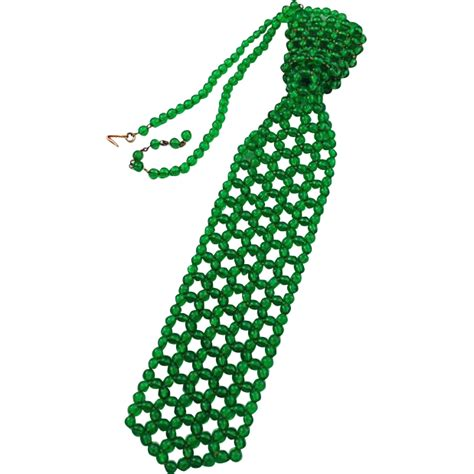 how to tie a beaded necklace green glass beaded tie necklace 1950 s estate