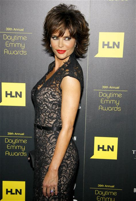 lisa rinna back of head lisa rinna latest hairstyle