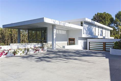 Four Car Garage House Plans by Jay Z And Beyonce Rented This Holmby Hills Mansion