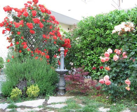 giardino fiorito gioco viserba di rimini giardino fiorito con fontana elvio