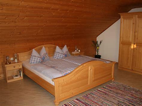 naturholz schlafzimmer bauernhof ferienhof rosenlehner bayr wald regen arberland