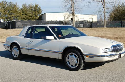 1993 buick riviera 1993 buick riviera luxury coupe 2 door 3 8l classic