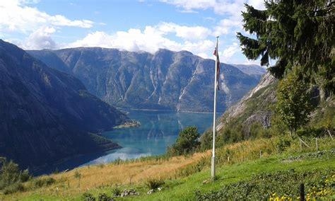 norvegia turisti per caso in norvegia tra fiordi e cittadine sconosciute viaggi