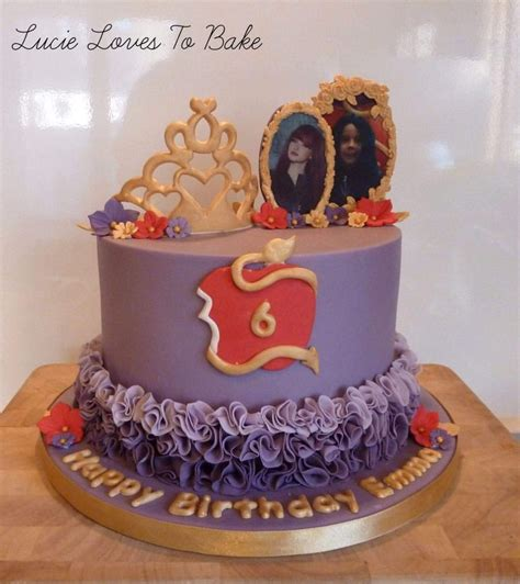 best 25 descendants cake ideas on decendants cake descendants 2 cake and best 25 descendants cake ideas on decendants cake mal and evie and disney descendants