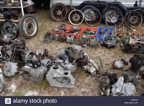 Oldtimer Motorrad Flohmarkt by Vintage Motorcycle Engines And Spare Parts At The Veterama