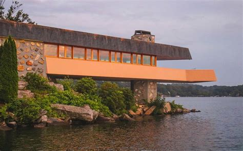 lloyd wright architecture a heart shaped island filled with frank lloyd wright