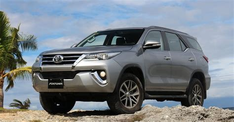 Toyota Fortuner Competitors Drive 2016 Toyota Fortuner 2 4 V And 2 4 G 4x2