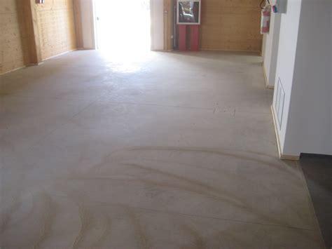resina per pavimenti prezzo mq pavimenti in resina prezzi al mq finest imbiancare casa
