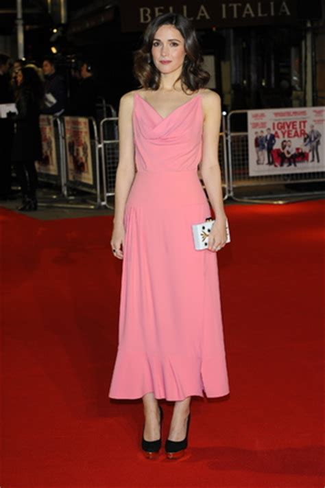 rose byrne weight loss vanessa feltz flashes at i give it a year premiere in