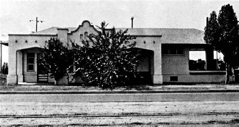 1920s view of the pacific electric depot near reseda