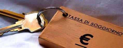 comune di roma contributo di soggiorno roma aumenta la tassa di soggiorno ecco quanto si paga