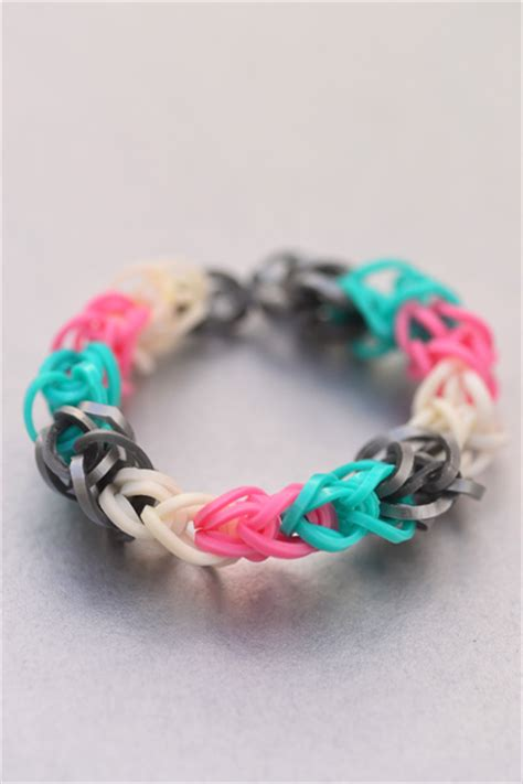 how to make loom bands with how to make a loom bracelet