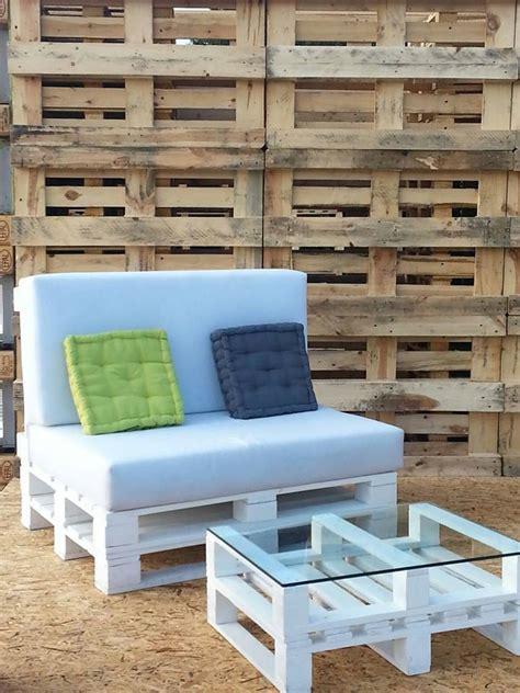 come fare un divano come realizzare un divano con i pallet mobili in pallet