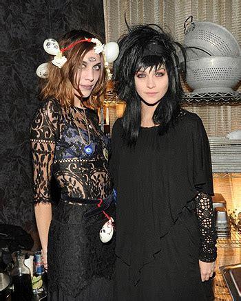 lydia deetz hairstyle хеллоуин 2011 фэшн версия сплетник