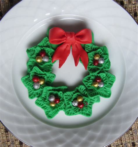 fondant christmas decorations fondant wreath for cupcake topper or sugar cookies cakecentral
