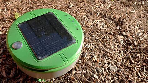 robot per giardino il robot che ripulisce il giardino dalle erbacce