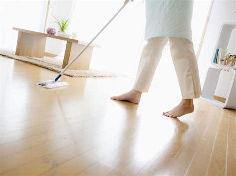 tips to clean wooden floor