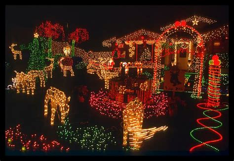 cool christmas lights from around the world cool things