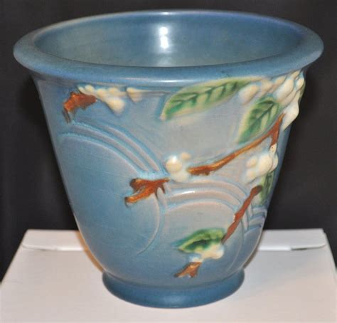 Roseville Planter by 1000 Images About Roseville Pottery On Green