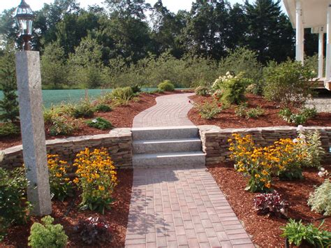 Landscape Helper How Pictures Of Garden Landscaping Can Help You Grow Your