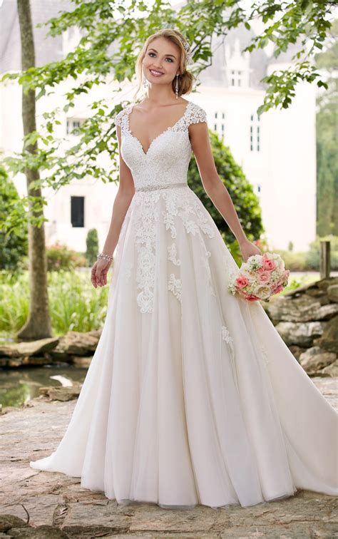 brautkleider stella york cap sleeve wedding dress with cameo back stella