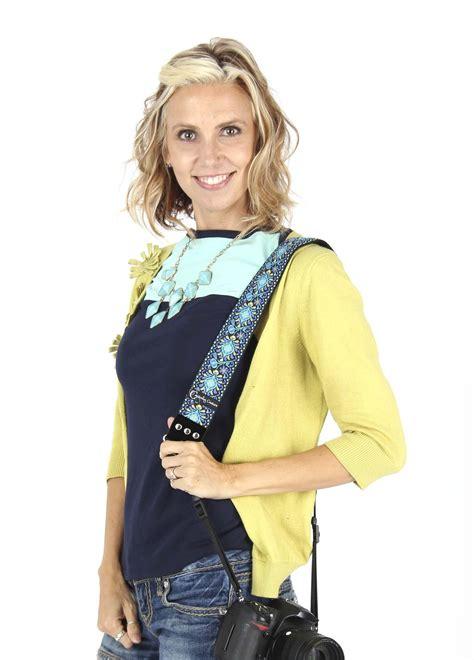 Canon Ixy 600f Black Bag capturing couture symphony neck shoulder