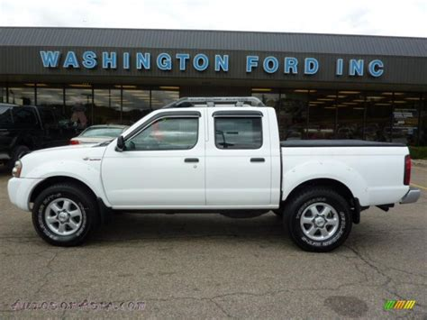 white nissan frontier 2003 nissan frontier sc v6 crew cab 4x4 in avalanche white
