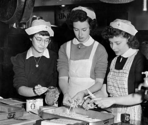 the impact of world war ii on womens fashion in the women in wwii home