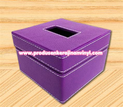 Freezer Box Kecil Bekas kerajinan dari botol bekas dan cara pembuatannya