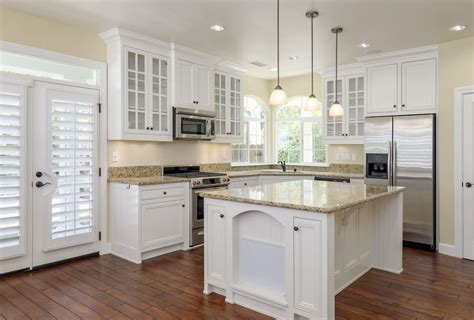 selling kitchen cabinets essential kitchen updates before selling your home home improvement projects tips guides