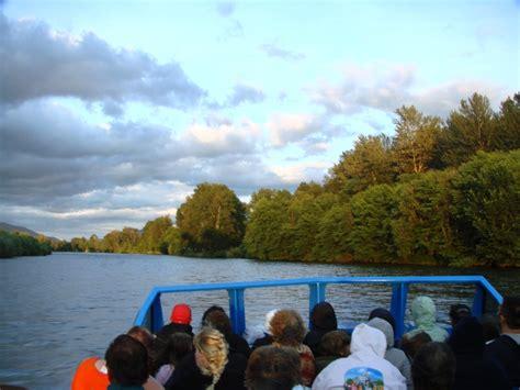 rogue river jet boat excursions landing at grants pass oregon