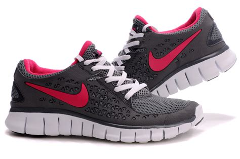 gray and pink nike running shoes nike free run running shoes grey pink 395914 005
