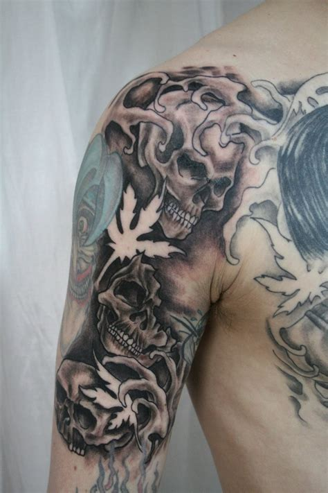 skeleton face tattoo amazing skeleton tatto on boys shoulder