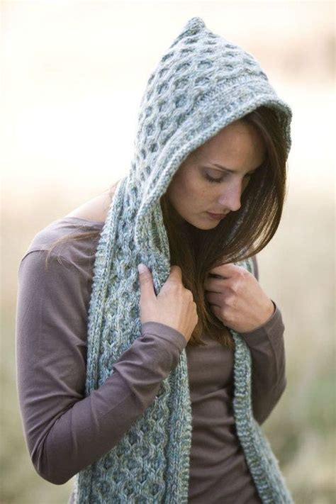 how to knit a hooded scarf 25 best ideas about hooded scarf on crochet