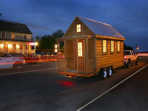 Nerd Girl Homes Building Tiny Houses For A Good Cause Lusby Tiny House