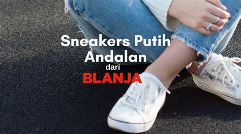 Paling Laris Sneaker Panda Putih yuk belanja 5 sepatu kets putih di blanja