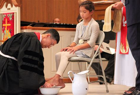 Amazing Umc.org Find A Church #5: Bishop-cho-washing-feet.jpg