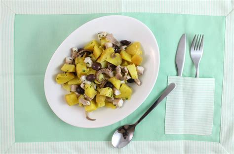 cucinare polpo con patate polpo con le patate eatitmilano