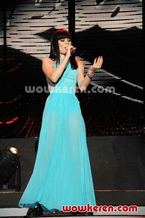 Jessy J Ori foto j di konser world tour who you are foto 32